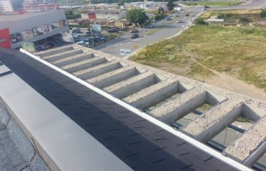 Метална обшивка на бетонна пергола