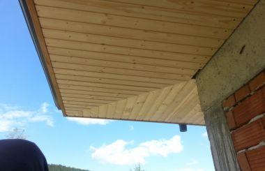 Нов дървен покрив с керамични керемиди